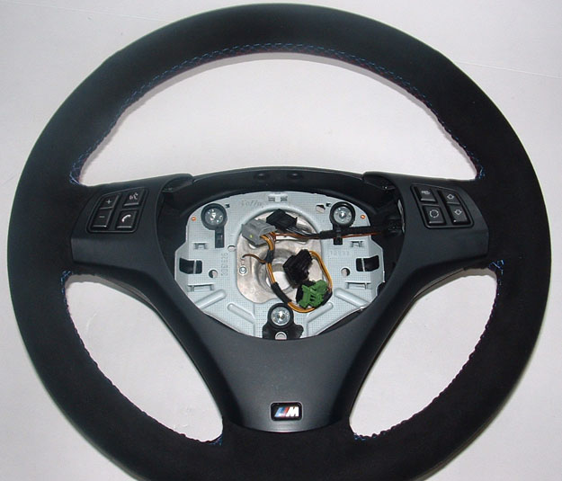 E82/E90 Regular Sport Steering Wheel (Non Paddle Shift)